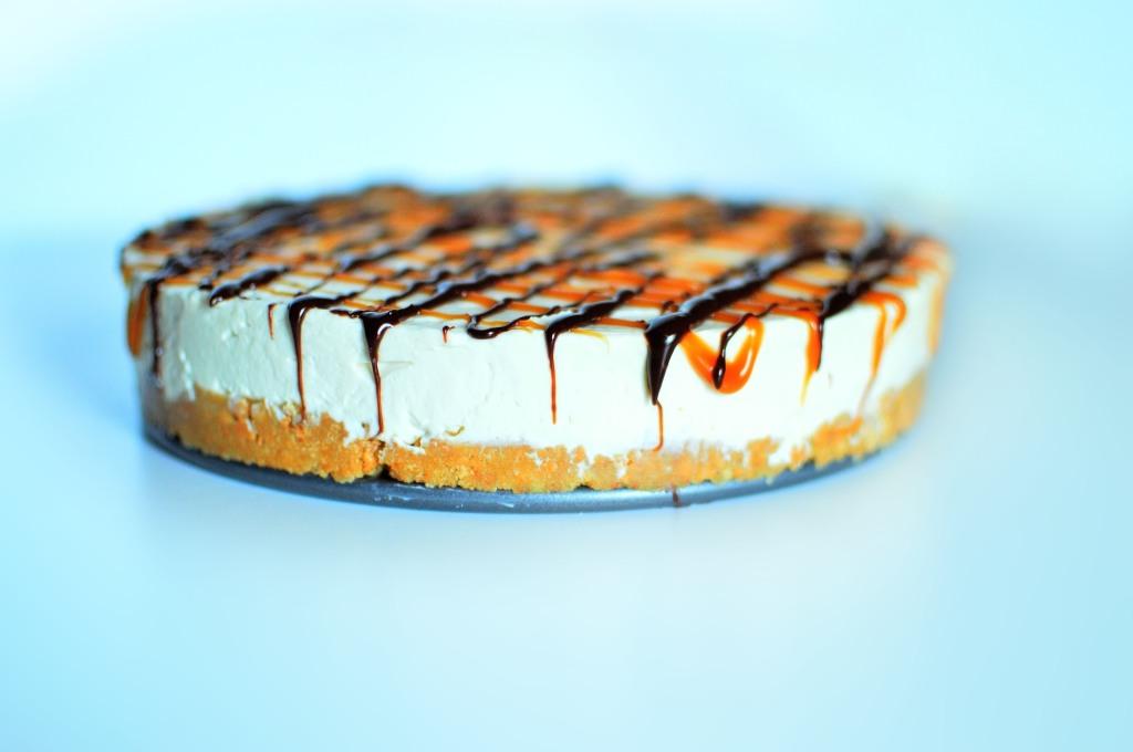 Salted Caramel and Dark Chocolate Cheesecake (2)
