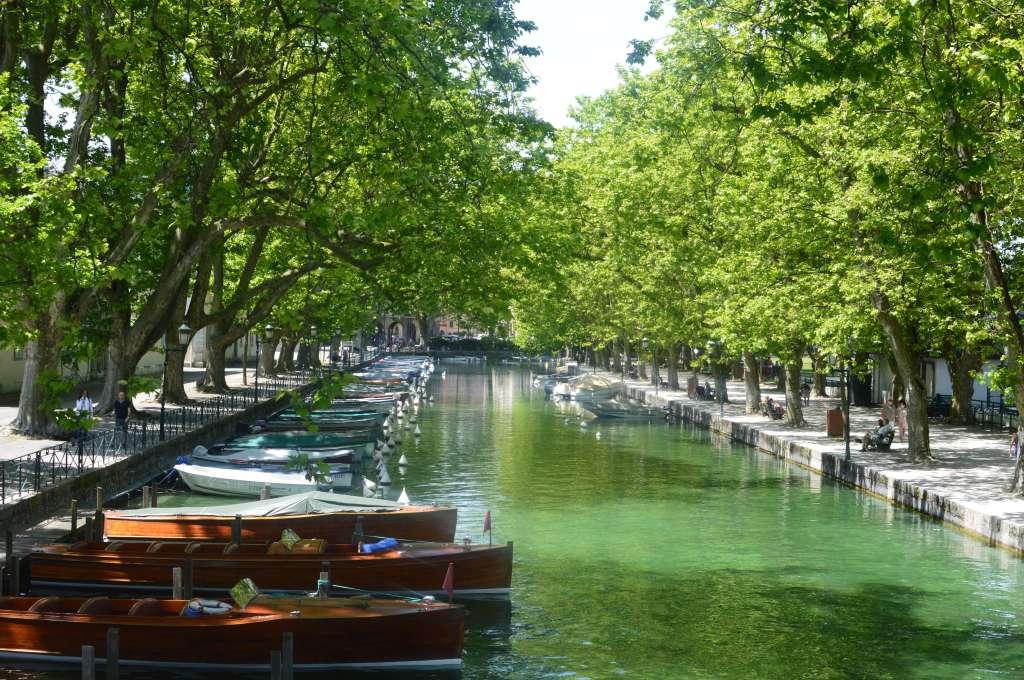 Pont Des Amours, Jardins De l'Europe, Annecy, France
