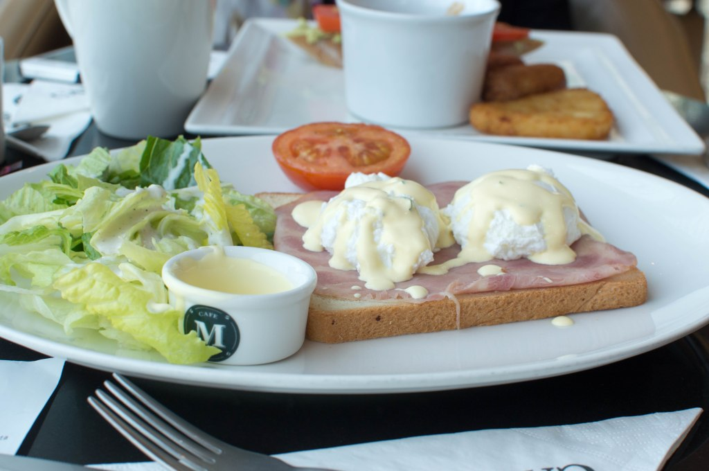 Eggs Benedict, Cafe Martinez, Dubai Marina, UAE