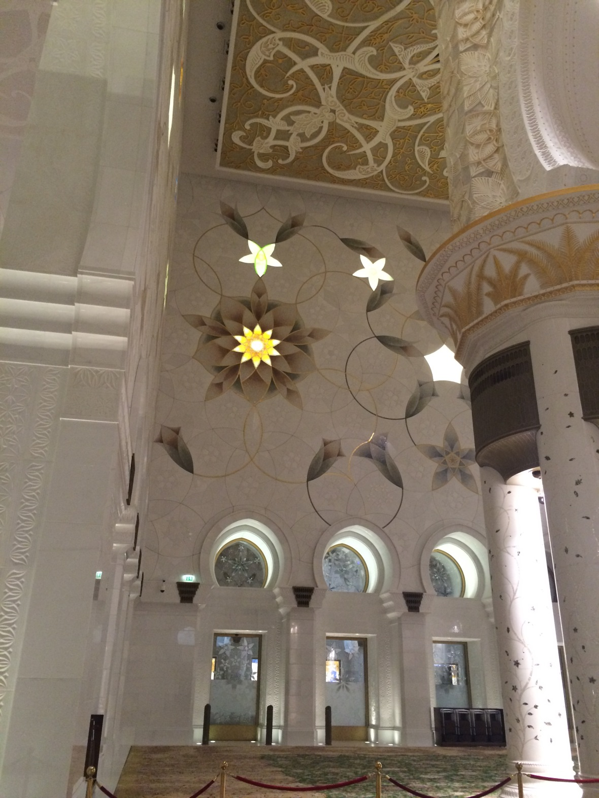 Interior, Sheikh Zayed Grand Mosque, Abu Dhabi, UAE