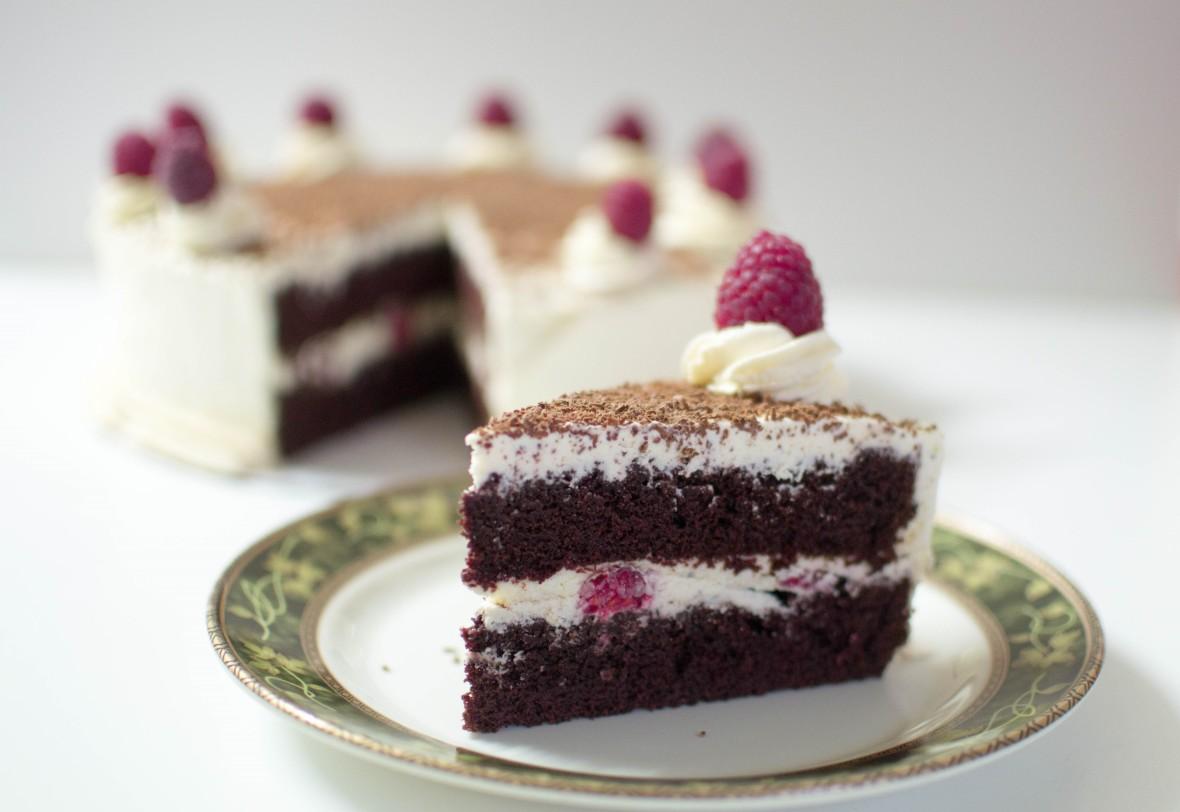 Chocolate Cake With Raspberries And Cream