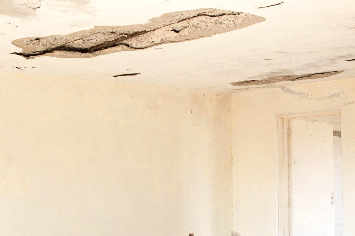 Broken Ceiling, Abandoned City, Al Jazirat Al Hamra, Ras Al Khaimah, UAE