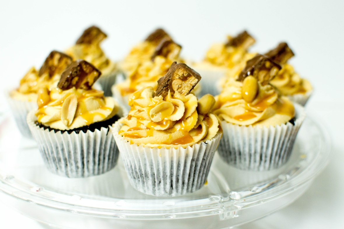 Snickers Cup Cakes