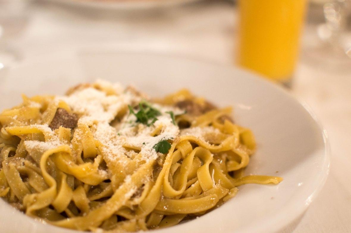 Fettuccine Ai Funghi Porcini, Al Biondo Tevere da Vincenzo, Rome, Italy