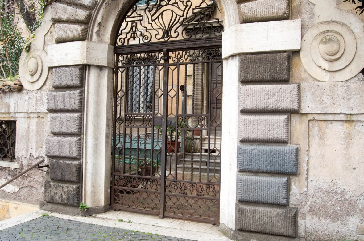 Gated Home, Rome, Italy