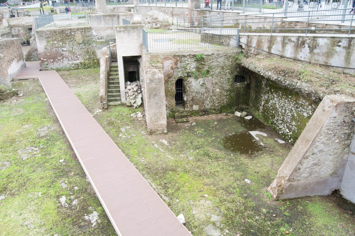 Ruins In Rome, Italy (2)