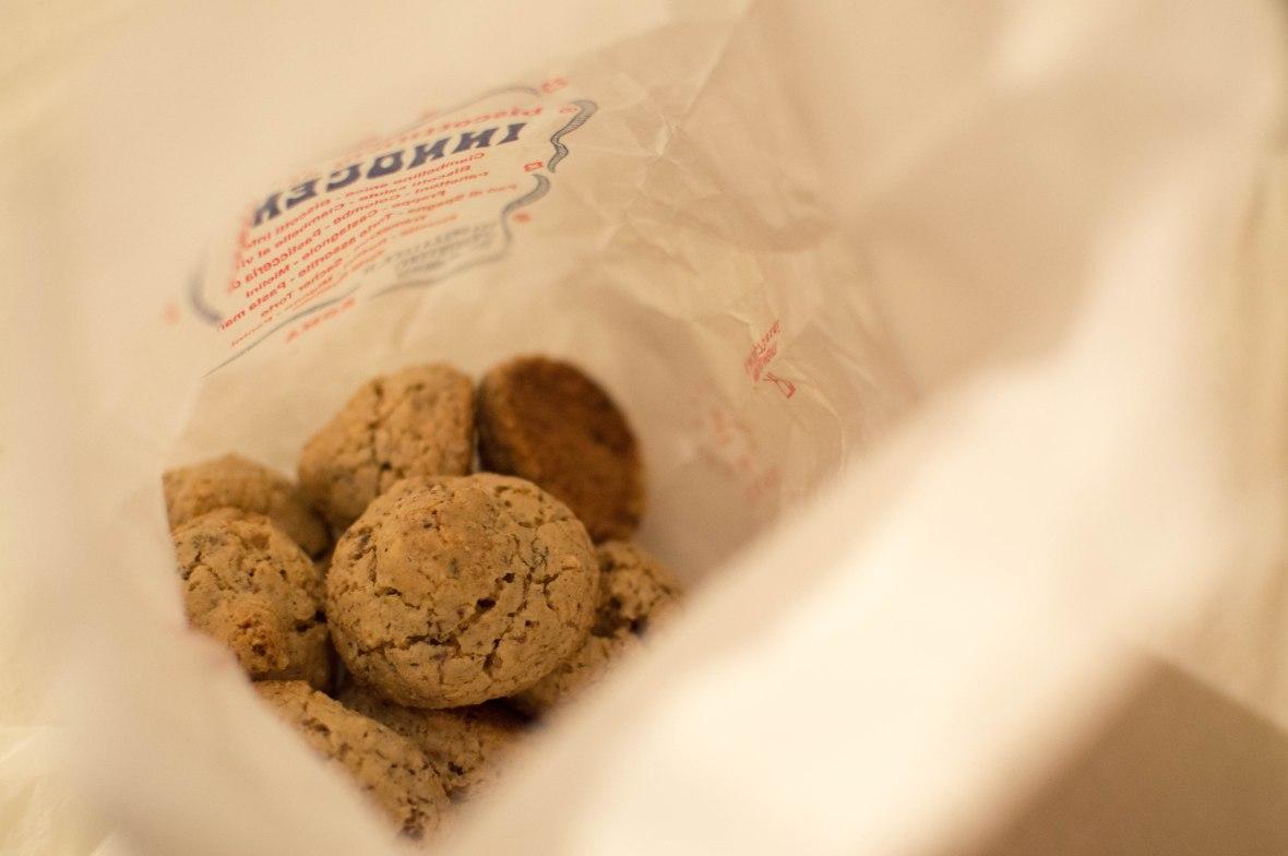 Hazelnut Meringue Biscuits, Biscottificio Artigiano Innocenti, Rome, Italy