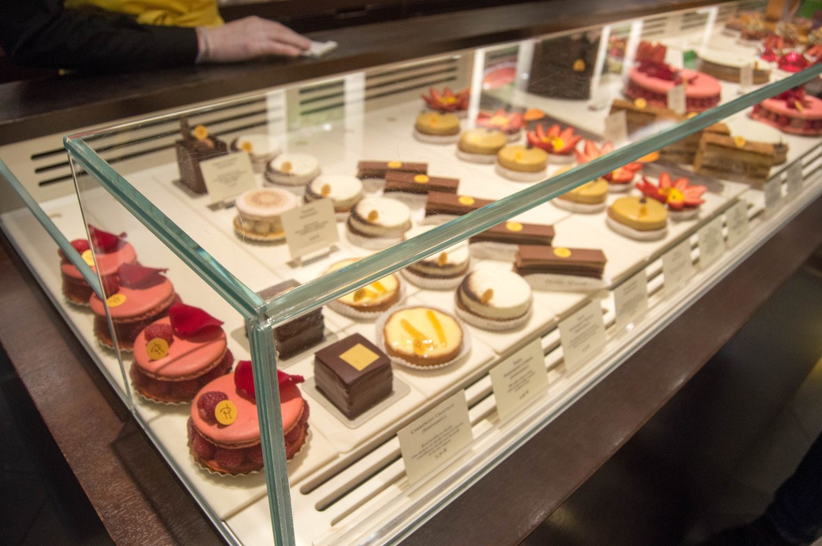 Pastries, Pierre Herme, Paris, France