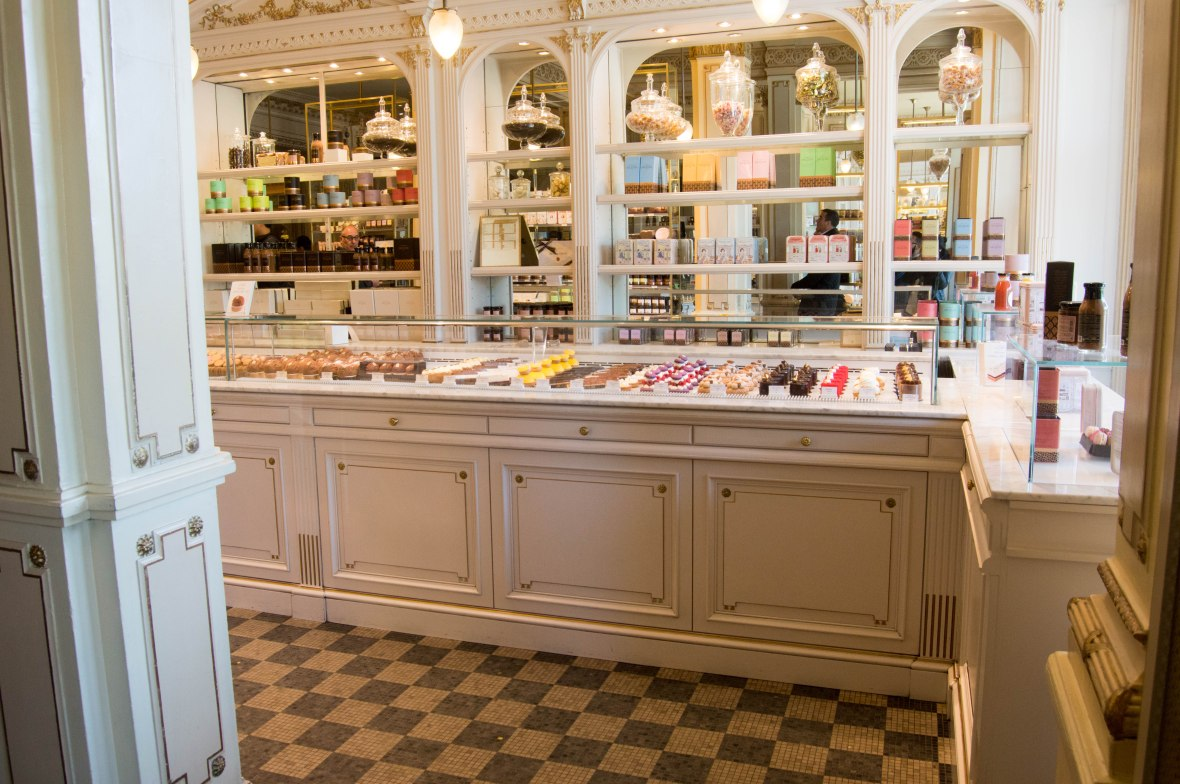 Patisserie, Angelina, Paris, France