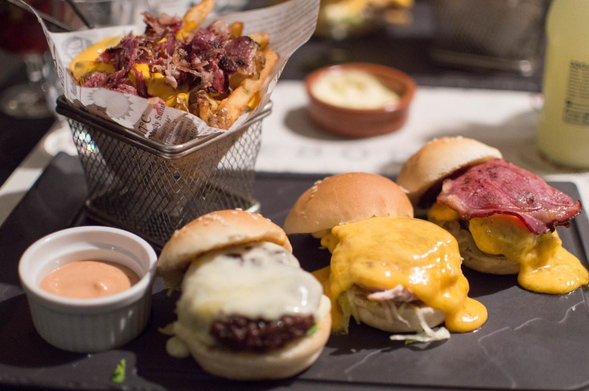 Sliders and Bacon Cheesy Fries, Le Bobo, Paris, France