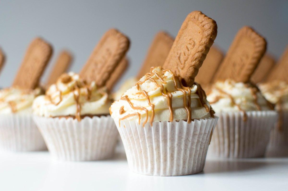 Lotus Biscoff (Speculoos) Cupcakes – Kay's Kitchen
