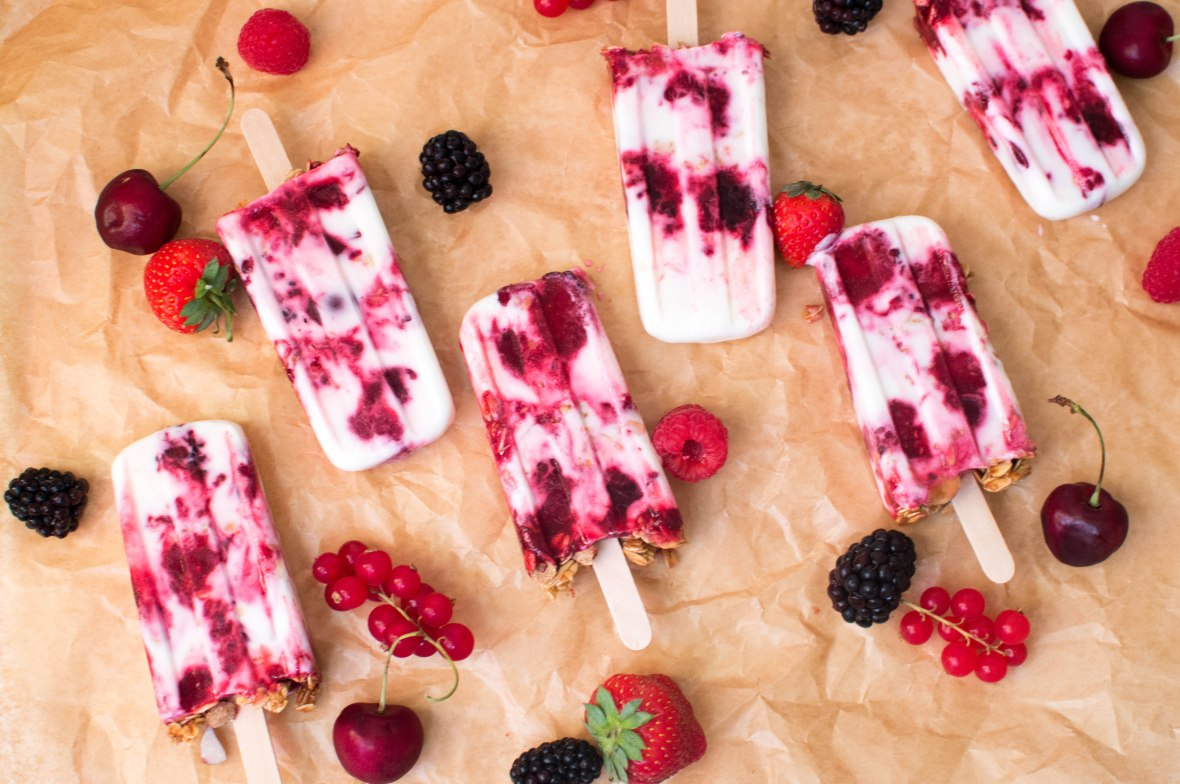 froyo-and-berry-lollies-kays-kitchen