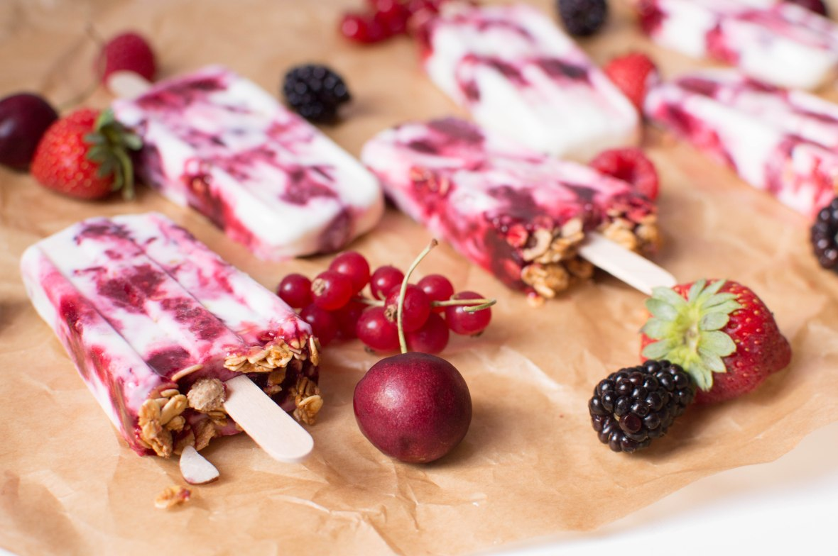 strawberry-cherry-raspberry-currant-and-blackberry-frozen-yoghurt-and-granola-lollies-kays-kitchen