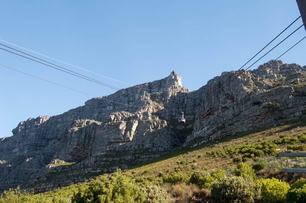 cable-cars-table-mountain-cape-town-south-africa
