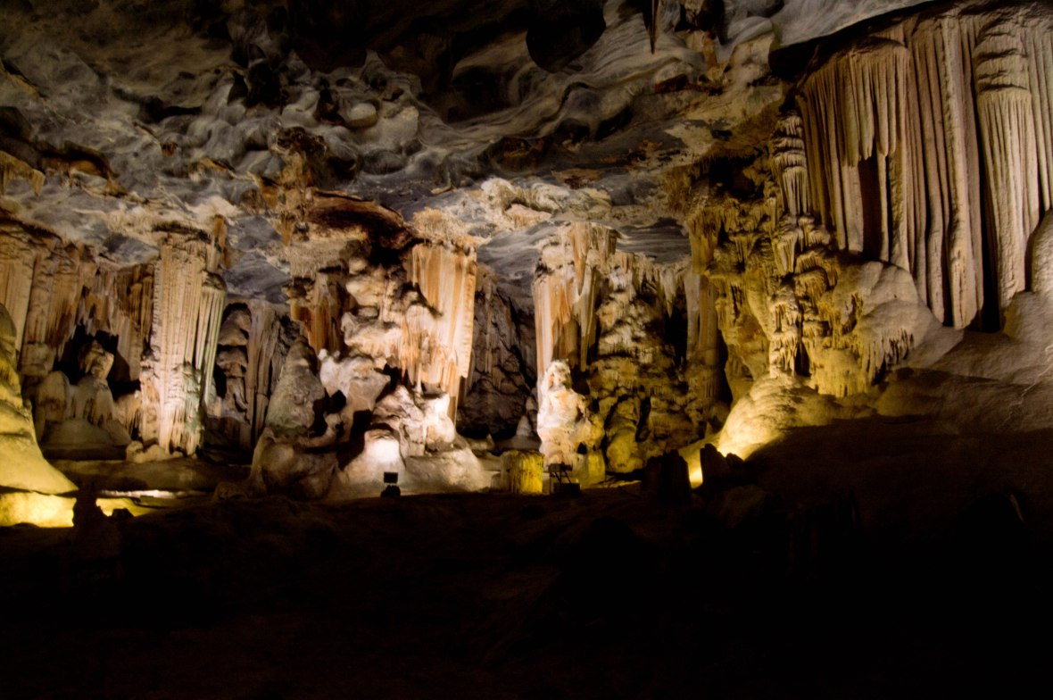 cango-caves-oudtshoorn-south-africa-western-cape-3