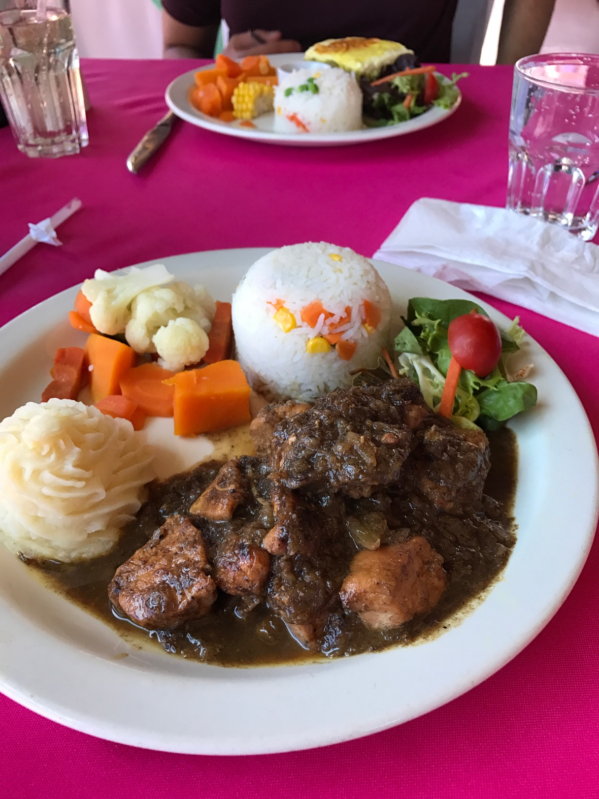 chicken-denningvleis-and-bobotie-bo-kaap-kombuis-cape-town-south-africa