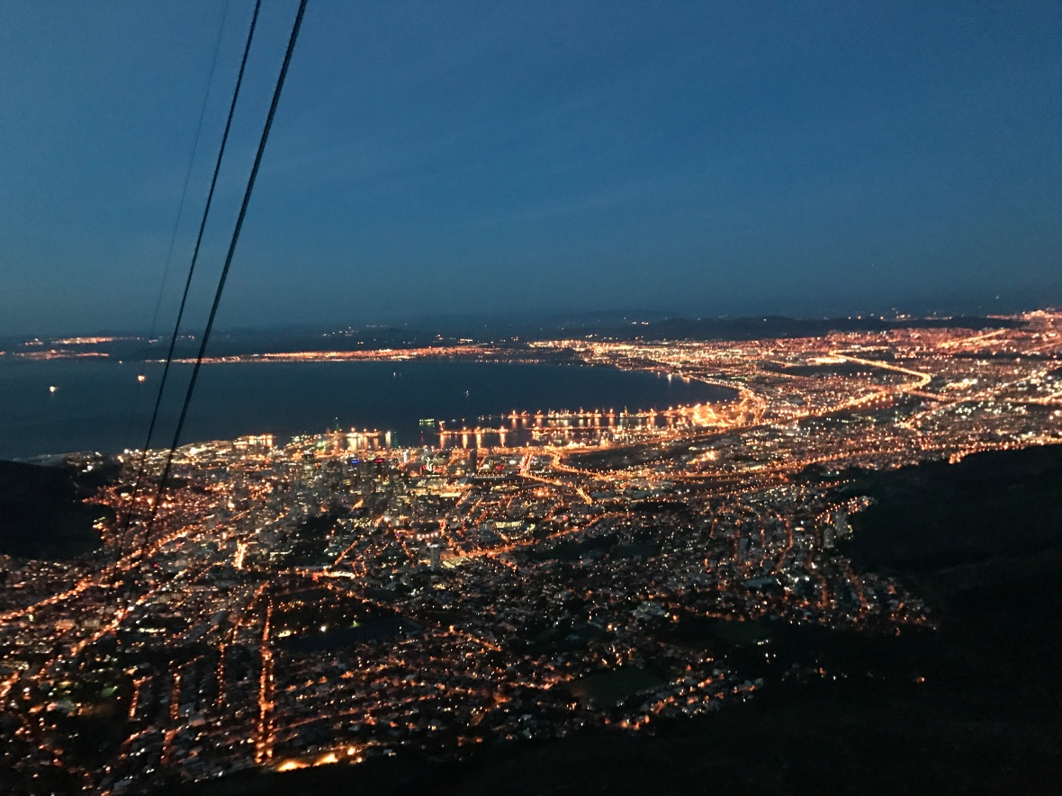 heading-down-cable-cars-table-mountain-cape-town-south-africa