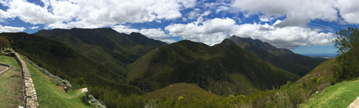 oudtshoorn-mountains-panorama-south-africa