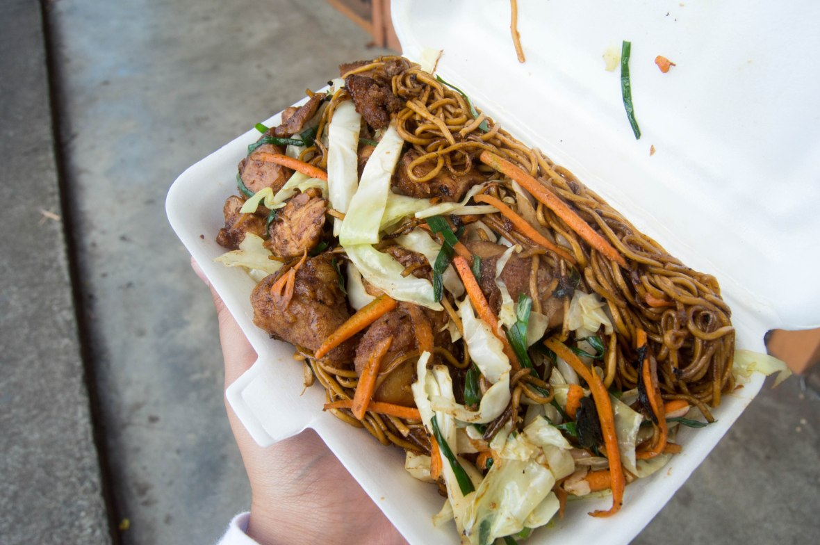 chicken-mine-frite-la-case-en-tole-chez-milate-sons-mauritius