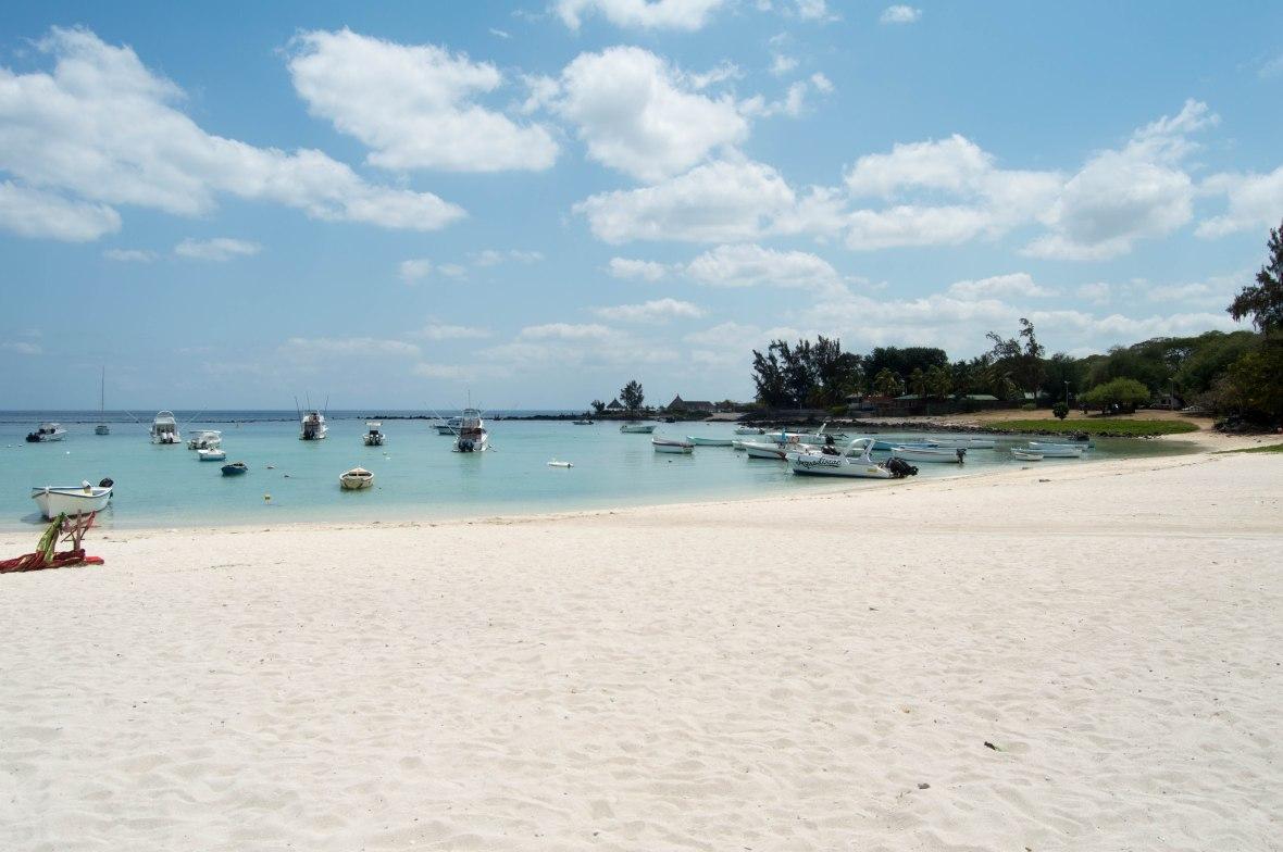 flic-en-flac-beach-mauritius