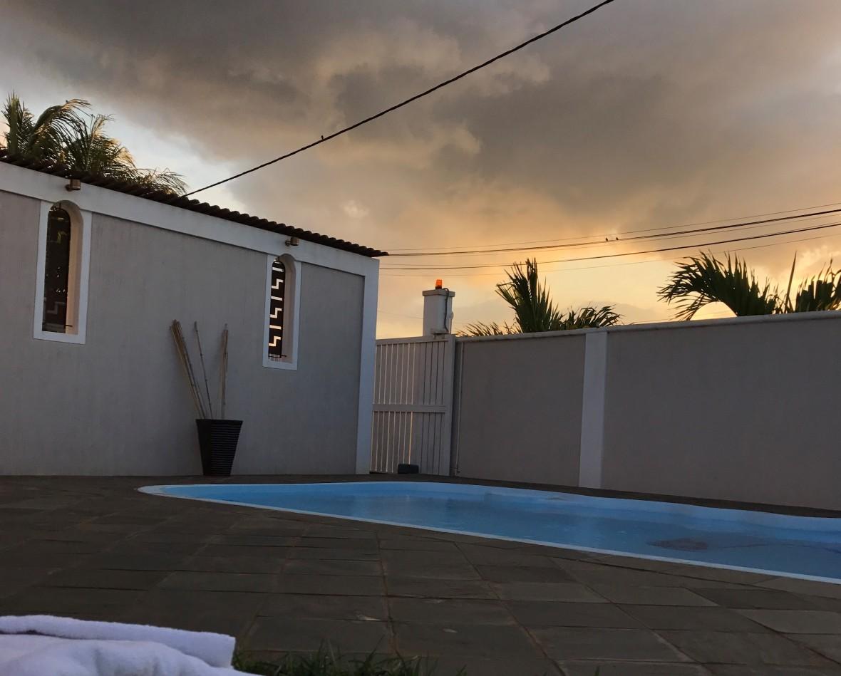 pool-airbnb-ponte-au-sables-mauritius