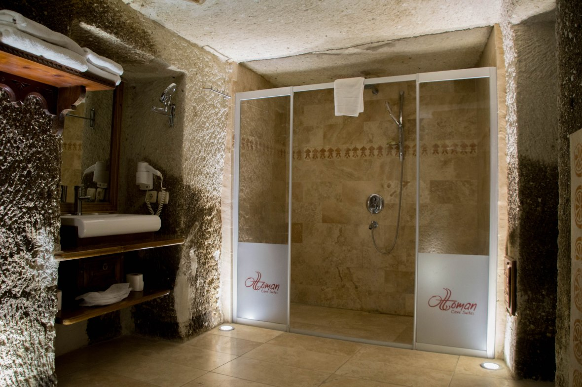 bathroom-ottoman-cave-suites-capadoccia-turkey