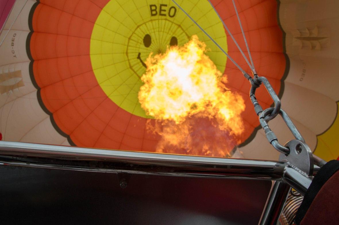 fire-hot-air-balloon-capadoccia-turkey