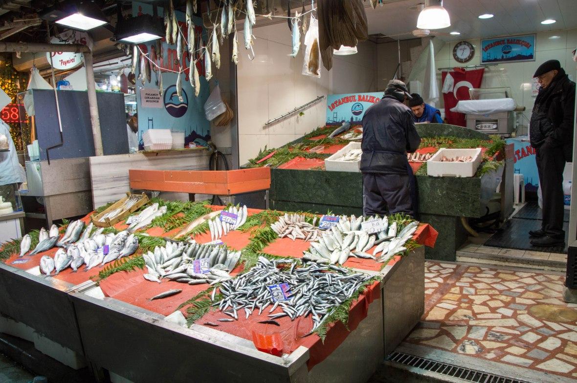 fish-spice-bazaar-istanbul-turkey