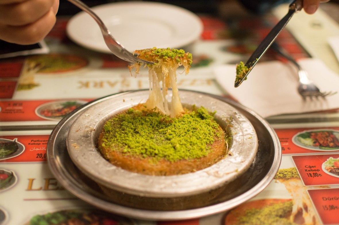 kunefe-lezzet-i-sark-istanbul-turkey