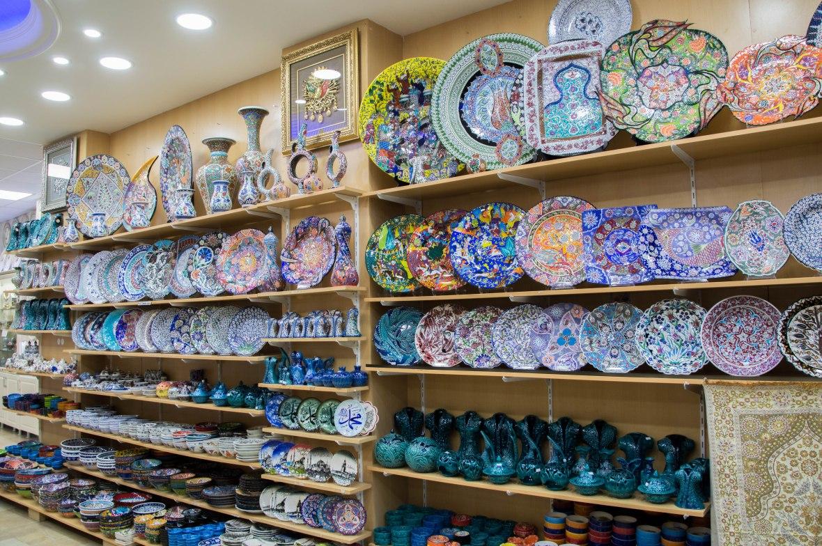 plates-grand-bazaar-istanbul-turkey