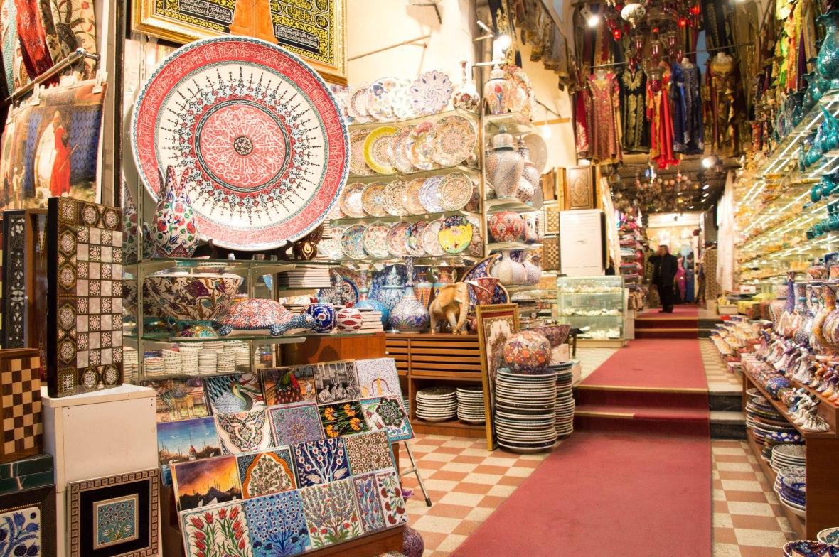 shops-grand-bazaar-istanbul-turkey