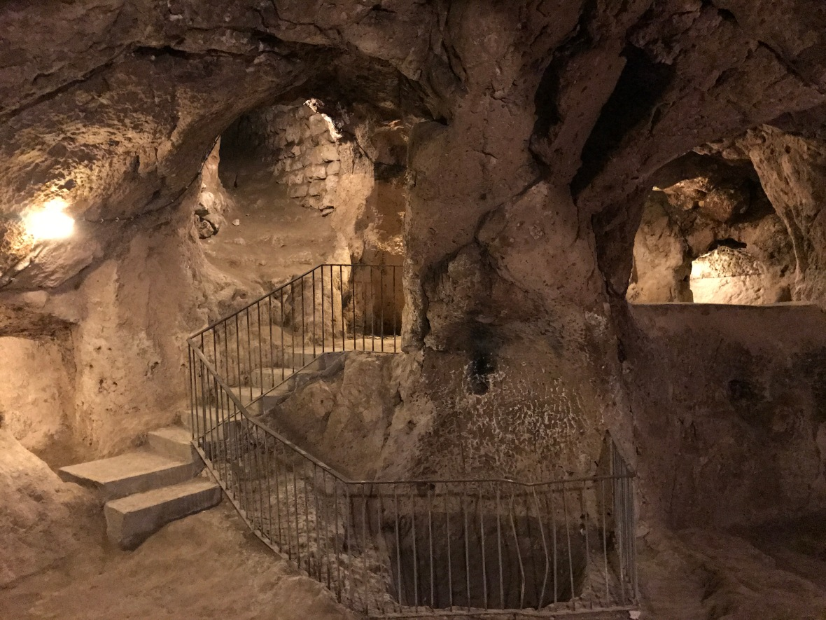 underground-city-derinkuyu-capadoccia-turkey