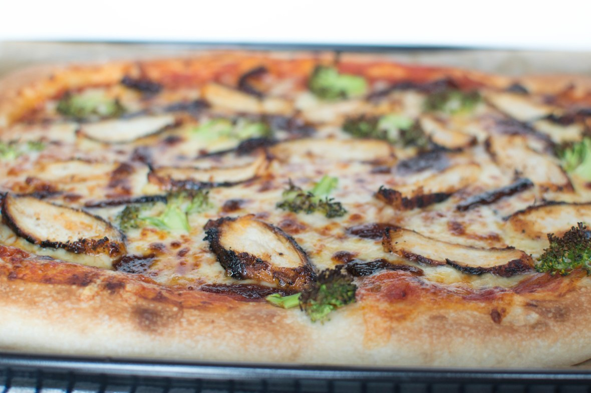 Broccoli, Chicken And Red Onion Chutney Pizza - Kay's Kitchen