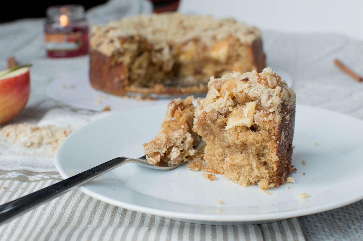 Caramelised Apple Cake With Crumble - Kay's Kitchen