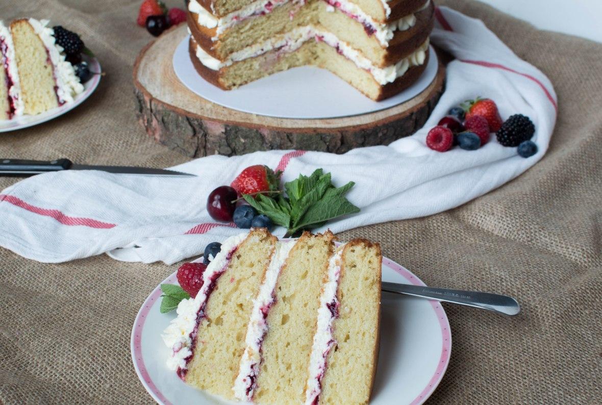 Summer Berries And Cream Cake - Kay's Kitchen