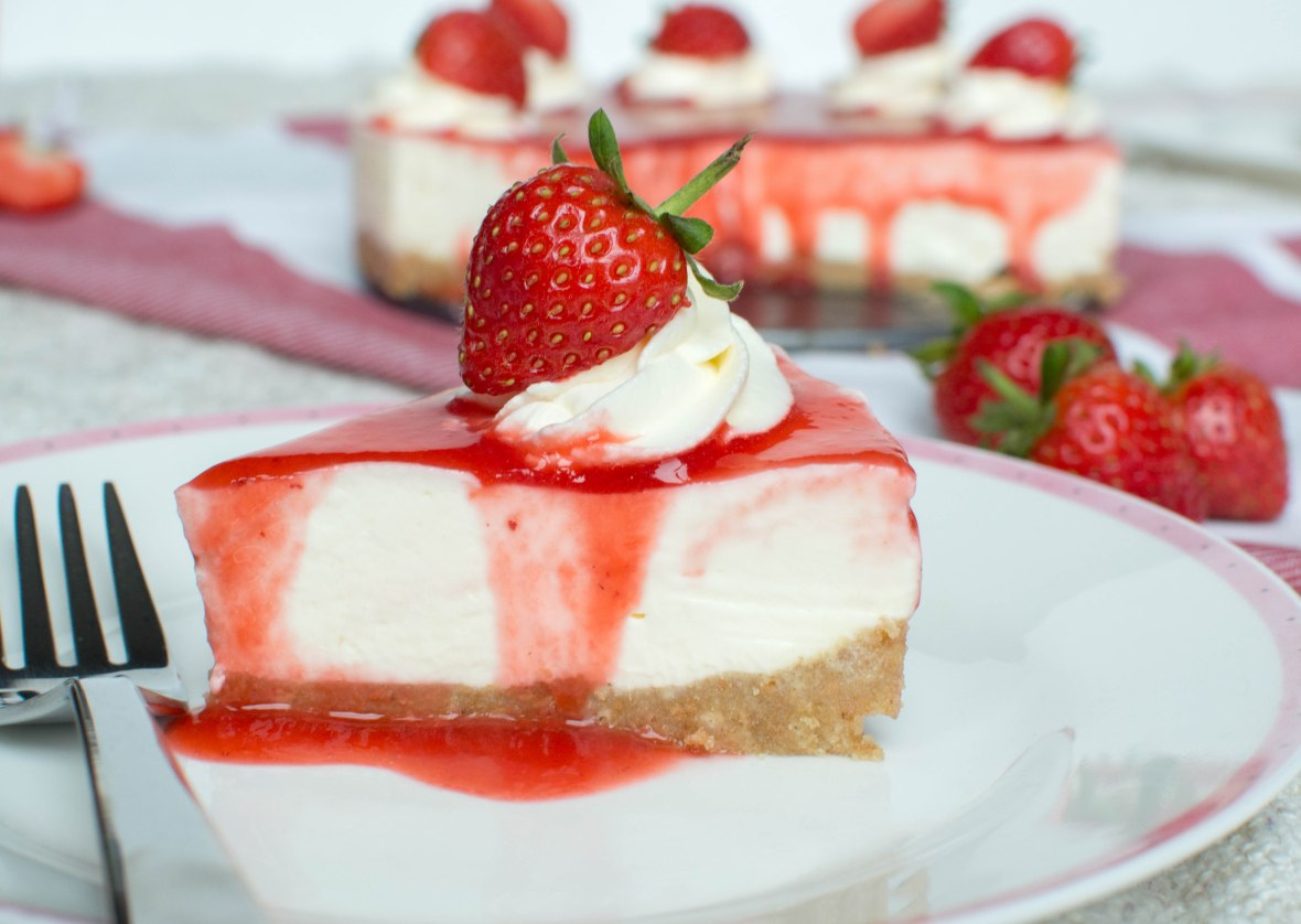 Side View - Strawberry Cheesecake - Kay's Kitchen