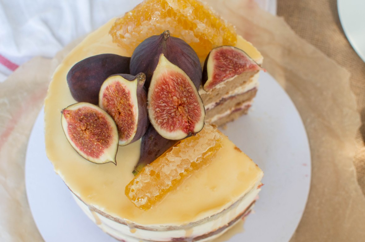Spiced Fig And Honeycomb Cake - Kay's Kitchen
