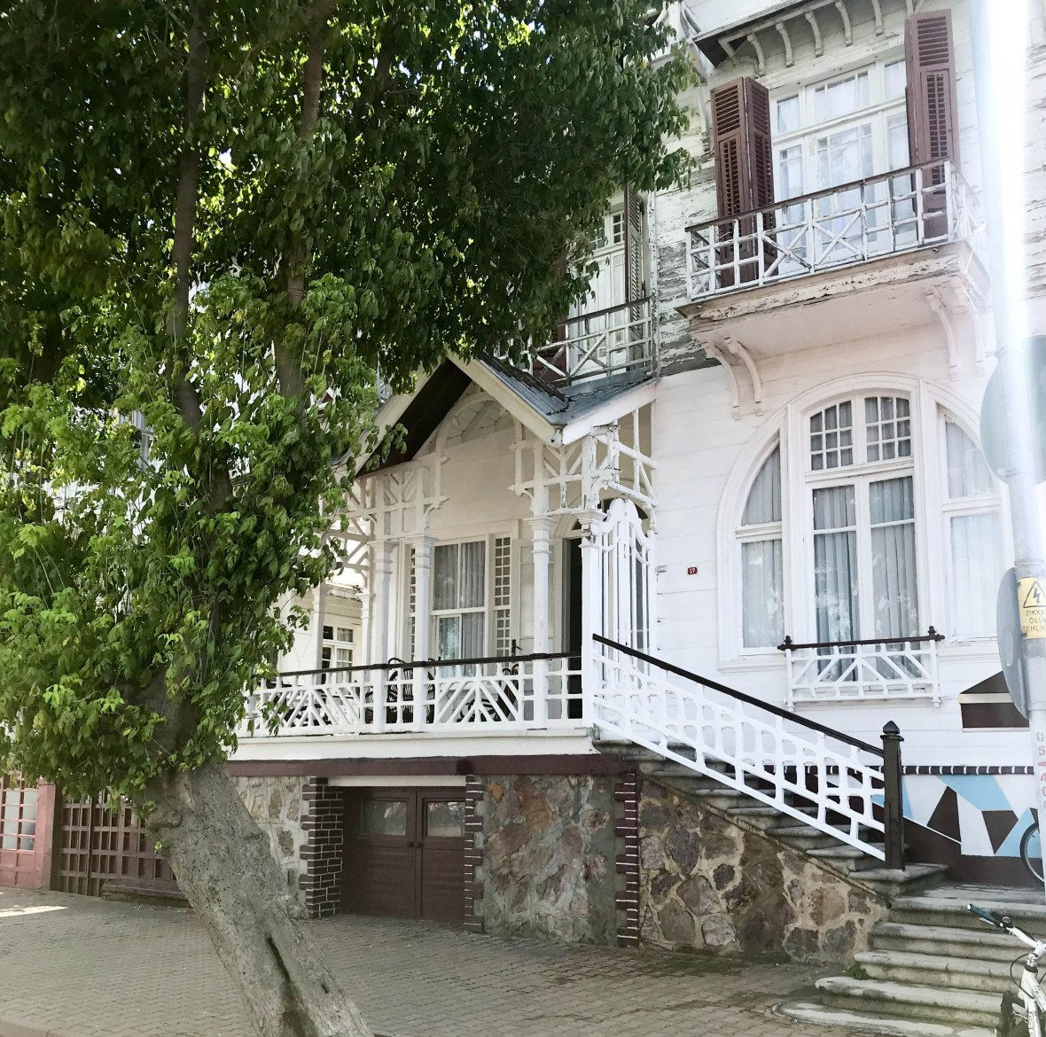 beautiful houses, kınalıada, adalar, princes islands, istanbul, turkey