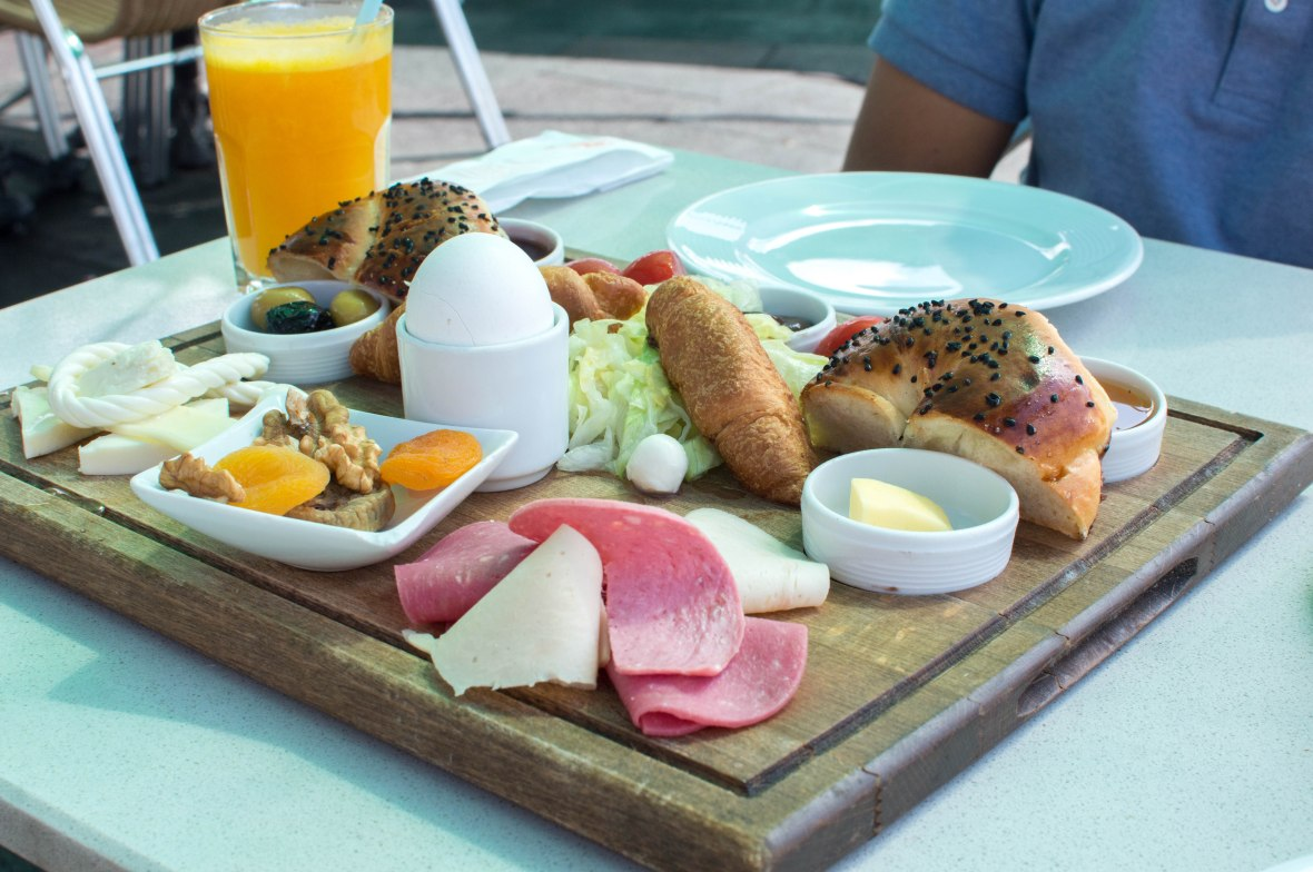 breakfast platter, konak cafe, galata, istanbul, turkey