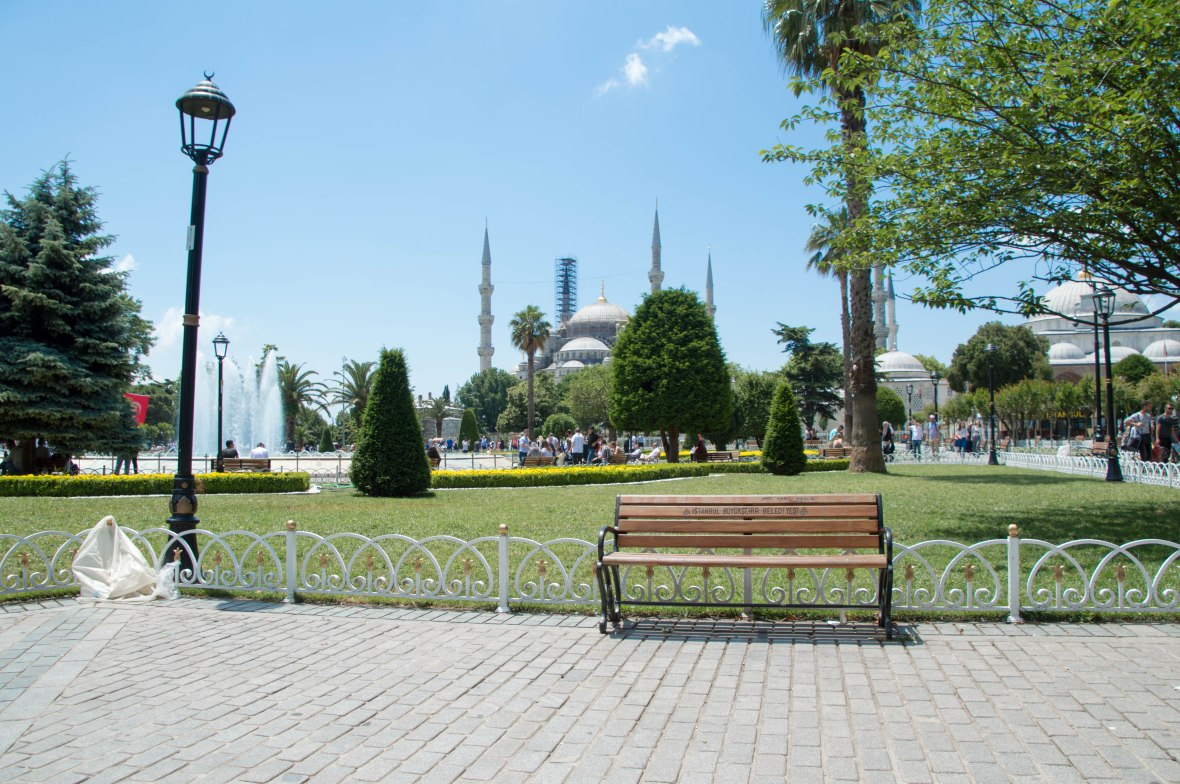 mosques, sultanahmet, istanbul, turkey