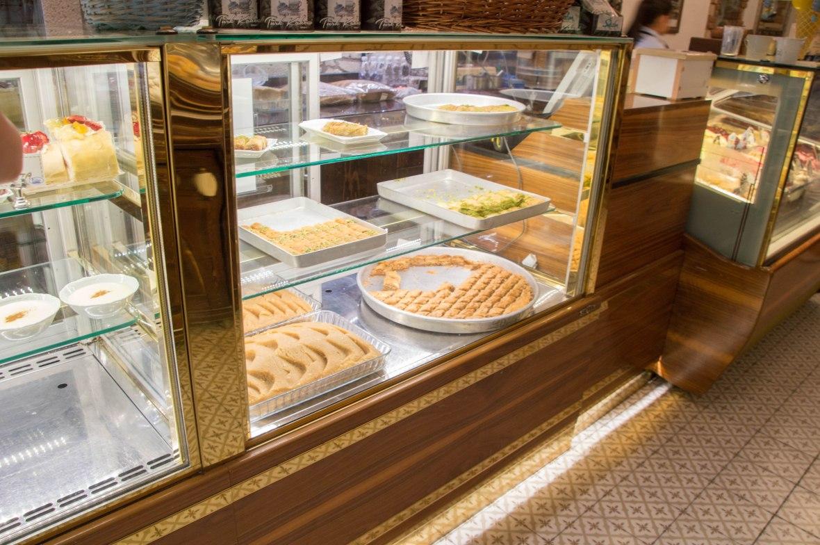 Desserts, İmren Helva Ve Tatlı Evi, Alaçatı, Turkey