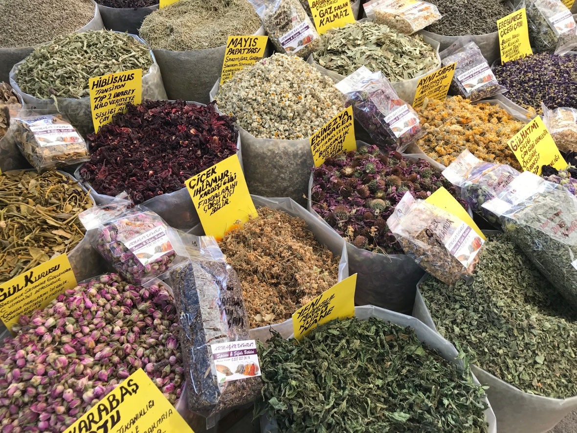 Loose Leaf Teas, Alaçatı Market, Turkey
