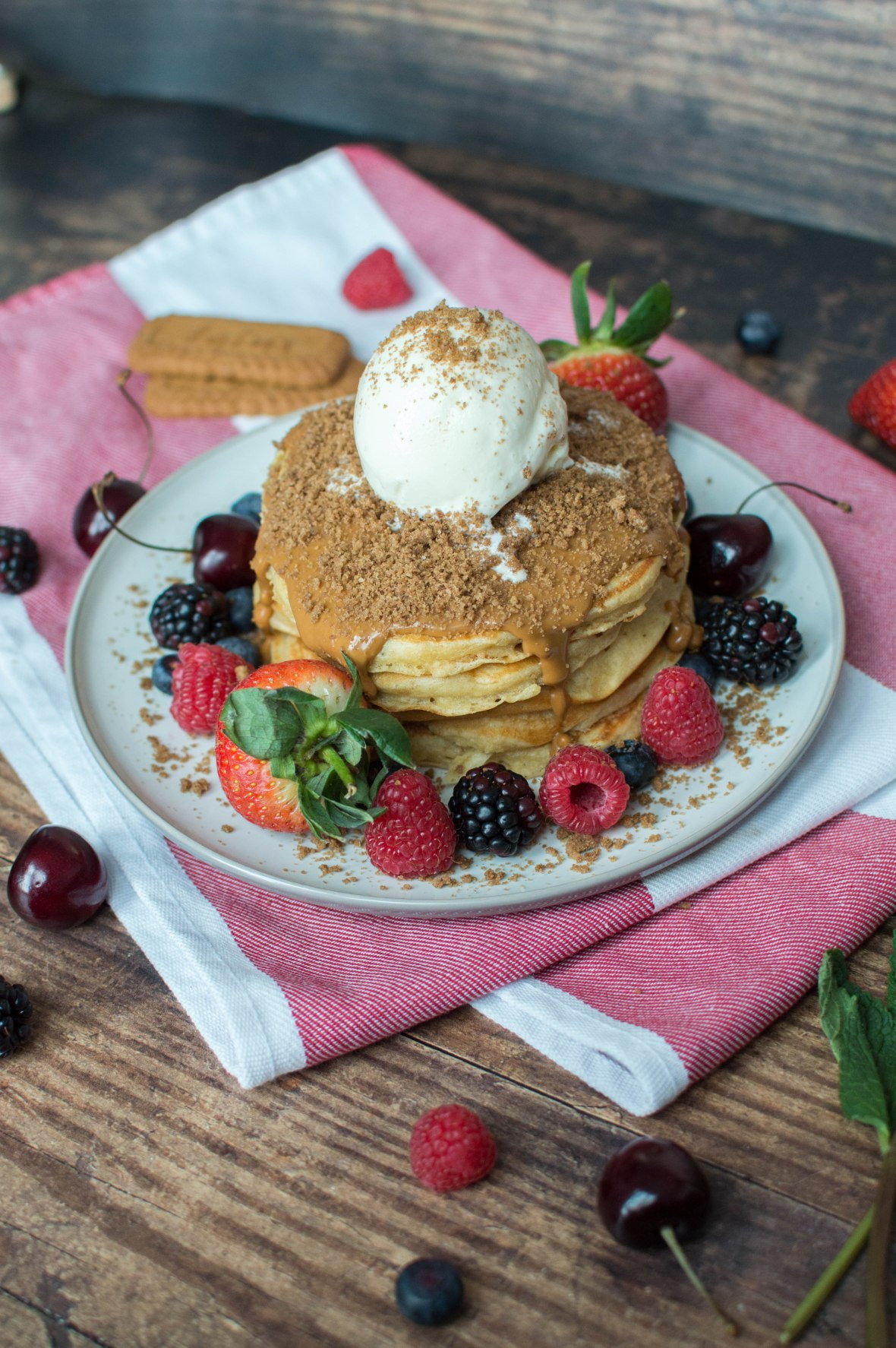 Speculaas Pancakes With Vanilla Ice Cream - Kay's Kitchen