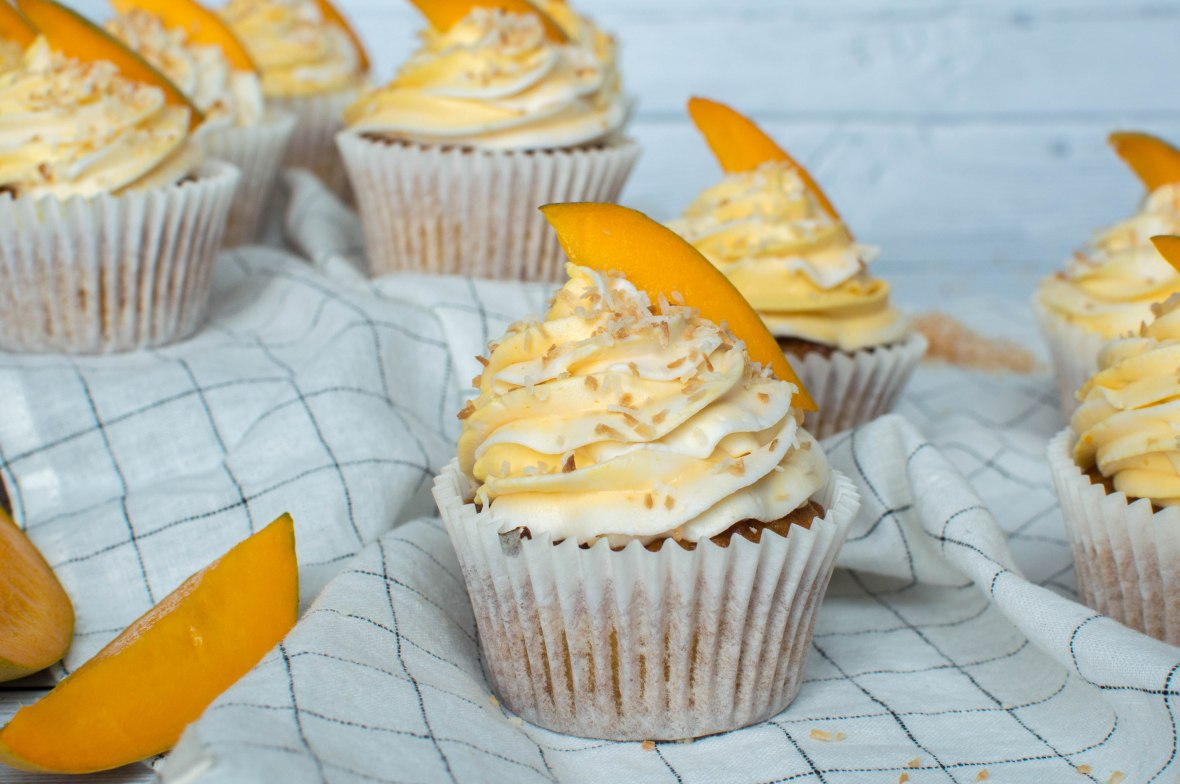 Toasted Coconut And Alphonso Mango Cupcakes - Kay's Kitchen